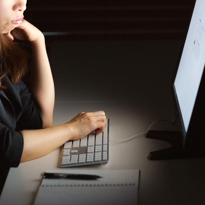 過労死の可能性を引き起こす「長時間残業」